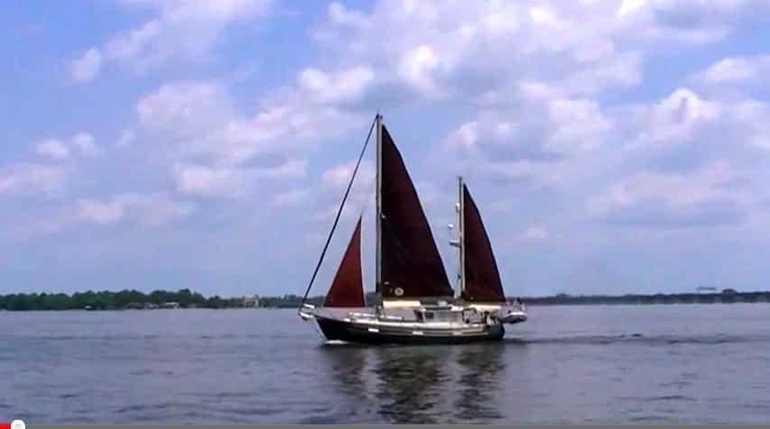 Sail Vicarious: Vicarious Underway