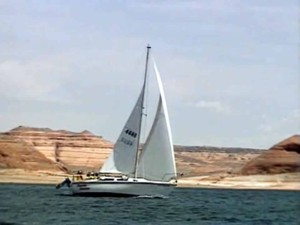Lake Powell, Utah - Lake Cruising Video